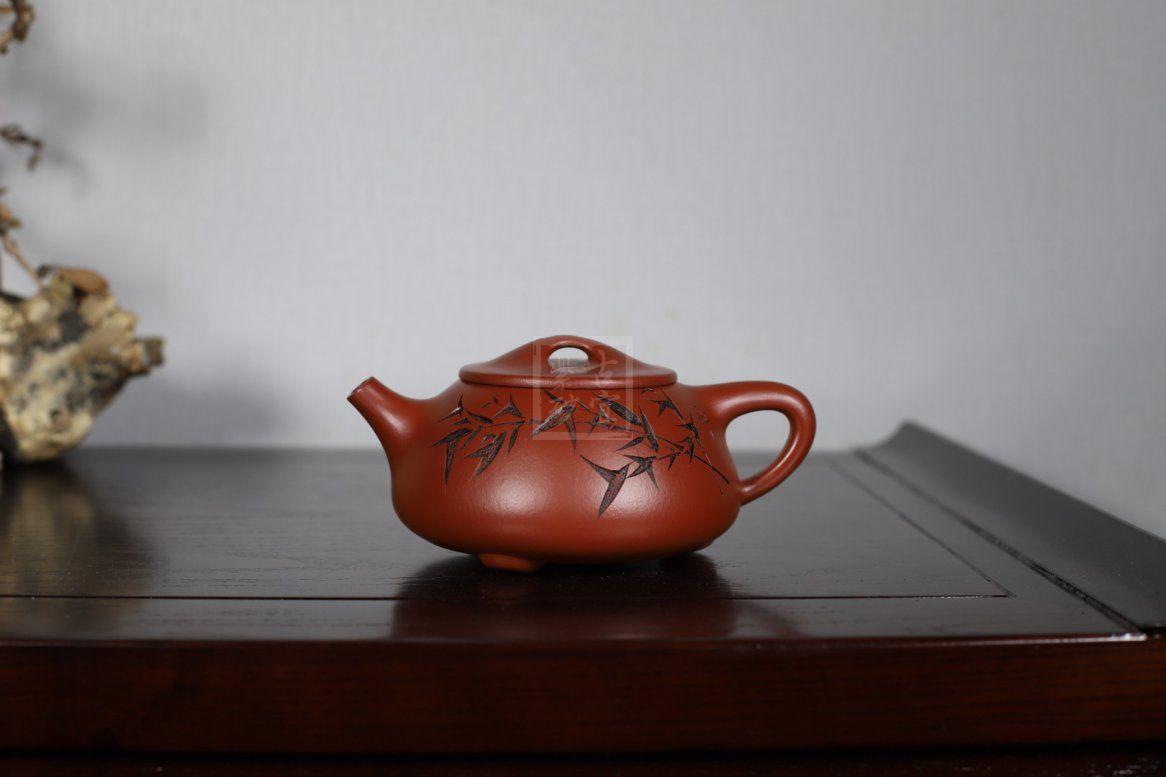 《刻绘石瓢》宜兴工艺美术师工紫砂壶家藏大红袍石瓢