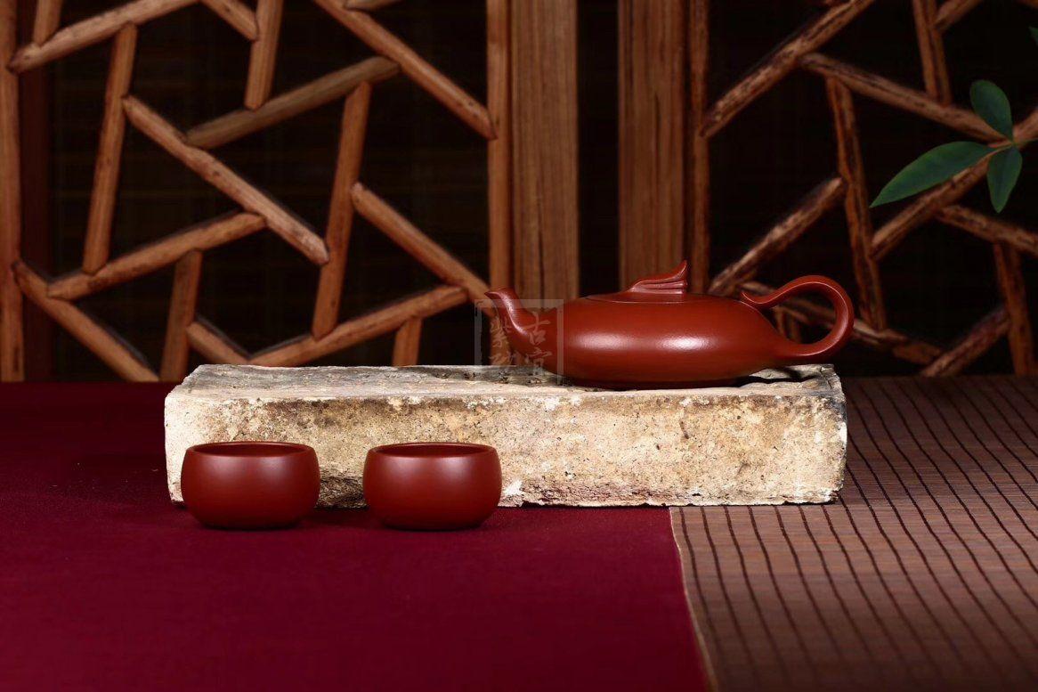 《鱼飞燕套组》宜兴紫砂壶实力派艺人手工大红袍